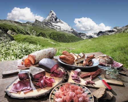 Mostbröckli vor Matterhorn